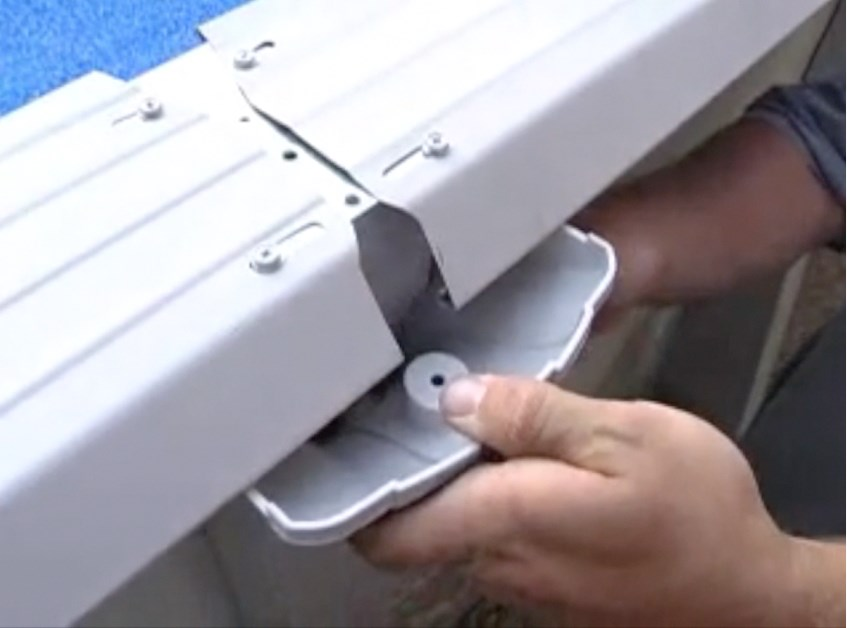 How To Install An Ag Oval Pool Pt 8 Installing Top Rail Assemblies