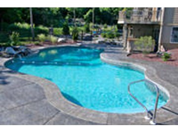 How to Clean a Swimming Pool - INYOPools.com
