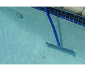 How to Clean a Swimming Pool - INYOPools com