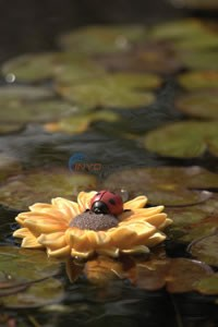 Aquascape Resin Floating Sunflower With Ladybug - 98228